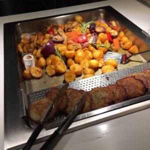 ポーランドの大衆食堂 クフニアマルシェのジャガイモ料理