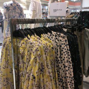 ポーランド衣料品の物価 柄シャツ