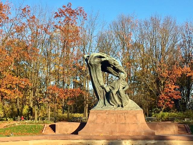 ワルシャワワジェンキ公園 ショパン像