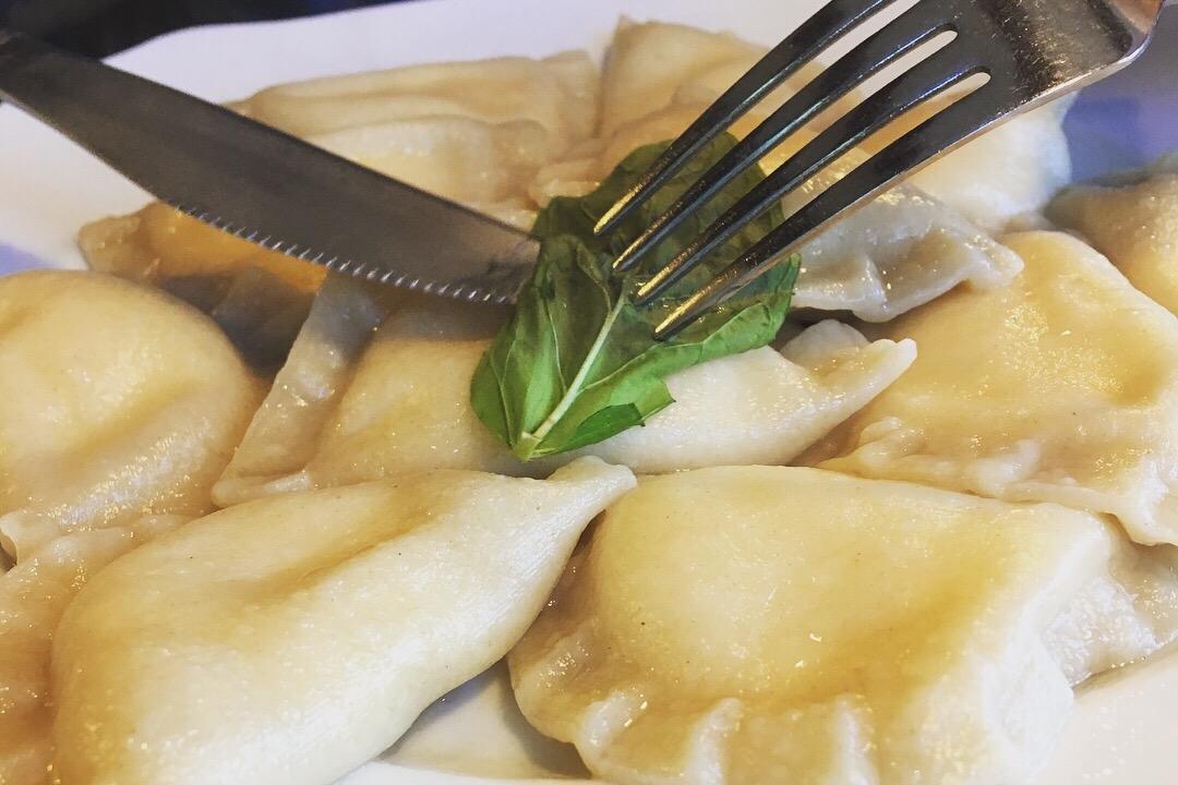 ポーランドの定番家庭料理 ピエロギ