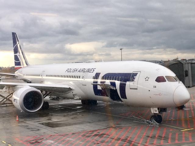 ポーランド航空 787ドリームライナー
